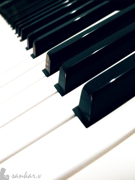 Black 'N' White Music!!